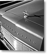1967 Lincoln Continental Hood Ornament - Emblem -646bw Metal Print