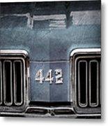 1970 Oldsmobile 442 Grille Emblem Metal Print
