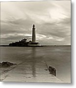 St Marys Lighthouse Metal Print