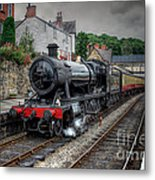 3802 At Llangollen Station Metal Print