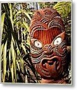 Maori Carving Metal Print by Les Cunliffe