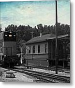 760 Train Engine Passing The Station Sc Textured Metal Print