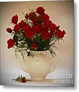 A Bouquet Of Red Rose Tea Metal Print