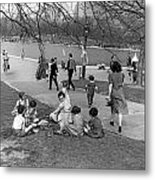 A Spring Day In Central Park Metal Print