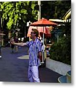 A Street Entertainer In The Hollywood Section Of Universal Studios Metal Print