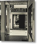 Albufeira Street Series - Restaurante Metal Print