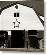 Amish Barn And Buggies Metal Print
