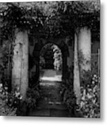 An Archway In The Garden Of Mrs. Carl Tucker Metal Print