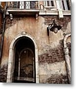 Arched Passage In Old Rustic Venetian House Metal Print