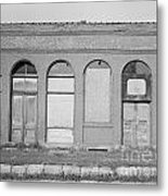 Arches Of Yesterday Metal Print