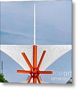 The Milwaukee Art Museum By Santiago Calatrava Metal Print