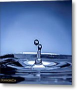 Attraction Water Droplets Metal Print
