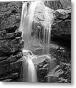 Avalanche Falls In Flume Gorge - Black And White Metal Print