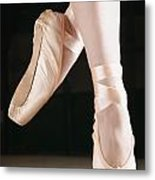 Ballet Dancer En Pointe Metal Print