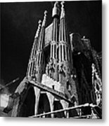 barcelona open topped bus city tour going past Sagrada Familia Barcelona Catalonia Spain Metal Print