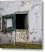Barn Door In Need Of Repair Metal Print