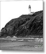 Beach View Of North Head Lighthouse Metal Print by Robert Bales
