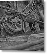 Black And White Pulley Metal Print