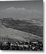 Black And White San Francisco Peaks Over Glassford Hill Metal Print