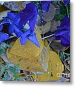 Blue And Yellow Not Making Green Metal Print
