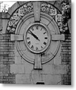 Bowling Green Time In Black And White Metal Print