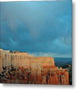 Bryce Canyon And Stormy Sky Metal Print
