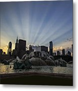 Buckingham Fountain With Rays Of Sunlight Metal Print