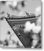 Buddhist Temple In Black And White - Roof Tile Details Metal Print