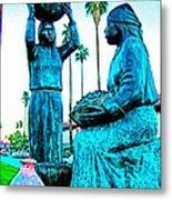 Cahuilla Women Sculpture In Palm Springs-california  Metal Print