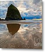 Cannon Beach With Storm Clouds In Oregon Coast Metal Print