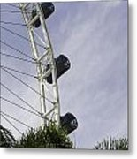 Capsules And Structure Of The Singapore Flyer Along With The Spokes Metal Print
