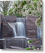Cascading Waters At The Roosevelt Memorial Metal Print