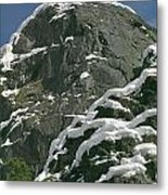 104619-castle Rock In Winter Dress Metal Print
