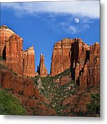 Cathedral Rock Moon Rise Color Metal Print by Dave Dilli