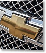 Chevrolet Bowtie Symbol On Chevy Silverado Grill E181 Metal Print