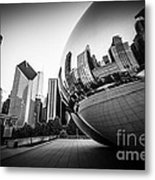 Chicago Bean Cloud Gate In Black And White Metal Print by Paul Velgos
