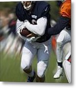 Chicago Bears Training Camp 2014 Moving The Ball 05 Metal Print