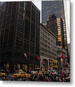 Christmas Shopping On The World Famous Fifth Avenue Metal Print