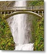 Close Up View Of Multnomah Falls In The Columbia River Gorge Of Oregon Metal Print