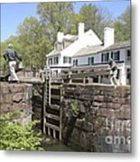 Closing A Lock On The C And O Canal At Great Falls Tavern Metal Print
