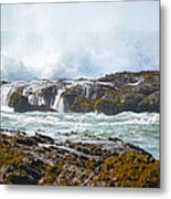 Crashing Surf Metal Print