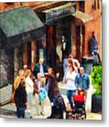 Crowded Sidewalk In New York Metal Print