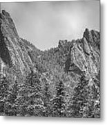 Dusted Flatiron In Black And White  Metal Print
