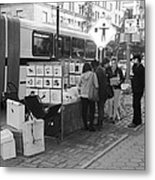 E85th. In Black And White Metal Print