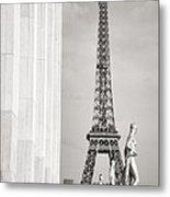 Eiffel Tour Paris Black And White Metal Print