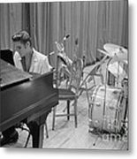 Elvis Presley On Piano Waiting For A Show To Start 1956 Metal Print