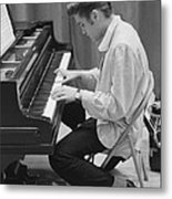Elvis Presley On Piano While Waiting For A Show To Start 1956 Metal Print