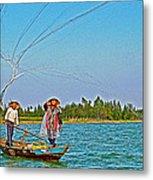 Fishermen Casting A Broad Net On Thu Bon River In Hoi An-vietnam Metal Print