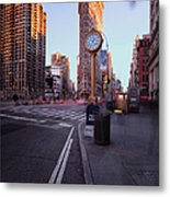 Flatiron Area In Motion Metal Print by John Farnan
