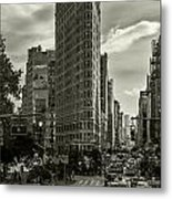 Flatiron Building - Black And White Metal Print